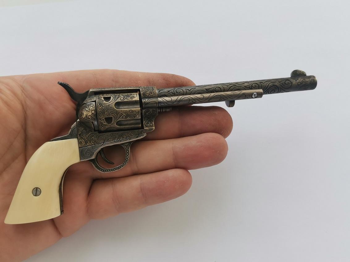 Colt 1873 Peacemaker ����������� 5