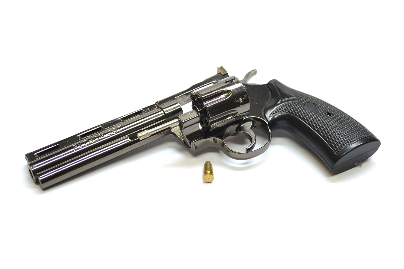 Model revolver Colt Python 357 in the scale of 1: 2