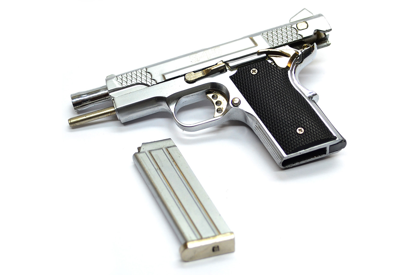 Model Smith & Wesson Mod 945 pistol on a scale of 1: 2